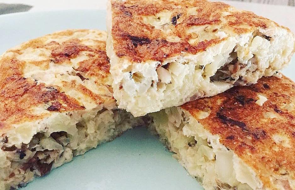 Tortilla de coliflor y cebolla